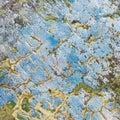 Parete Weather-beaten con le crepe Fotografie Stock Libere da Diritti