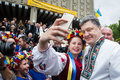 Petro poroshenko z przedstawicielami ukraińska społeczność wewnątrz Fotografia Stock
