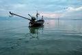 Photographie d art de bateau de mer lever de soleil d océan de début de la matinée Photos stock