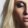 Piękny oko woman face blondyny girl make up skincare Zdjęcia Stock