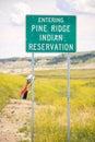 Pino que entra ridge indian reservation road sign Foto de archivo libre de regalías