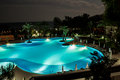 Piscine la nuit Photographie stock