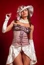 Portret piękna młoda brunetki dziewczyna w białym kapeluszu Zdjęcie Stock