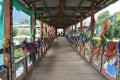 Appeso su di ponte ()