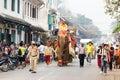 Procesión del elefante para lao new year en luang prabang laos Foto de archivo libre de regalías