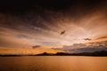 Puesta del sol en la presa tailandia de pranburi Fotos de archivo libres de regalías