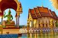 Punto di riferimento della tailandia wat phra yai temple sunset viaggio turismo Immagine Stock