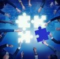Puzzle unterstützung team coopeartion togetherness unity concep Lizenzfreie Stockbilder