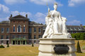 Queen victoria statue at kensington palace in london the impressive of situated outside Stock Image