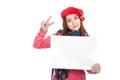 Ragazza asiatica con il segno rosso dello spazio in bianco di manifestazione del cappello di natale ed il segno di v Fotografia Stock Libera da Diritti