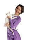 Ragazza graziosa in vestito da notte con il gatto Fotografia Stock