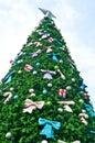 Árbol de navidad grande Fotos de archivo
