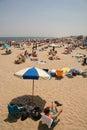 Reclinación en la playa Fotos de archivo