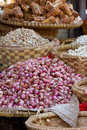 Red onions huge pile of for sale at market in myanmar burma Stock Photo