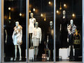 Retail store window with mannequins fashion Stock Image
