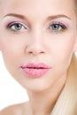 Retrato da mulher bonita com a flor da orquídea em seu cabelo woman face modelo bonito pele perfeita make up makeup profissional Imagem de Stock Royalty Free