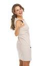 Retrato de la mujer joven feliz que señala in camera Imágenes de archivo libres de regalías
