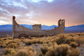 Rhyolite nevada a crumbling structure overlooking the amargosa valley at an abandoned town near death valley Stock Photos