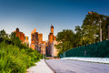 Road and view of the manhattan skyline at roosevelt island new york Royalty Free Stock Images