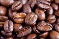 Roasted coffee beans - macro Royalty Free Stock Images
