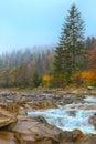 Rocky mountain river en otoño Foto de archivo libre de regalías