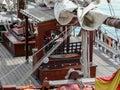 Roda do leme e equipamento variado de um shooner Foto de Stock Royalty Free
