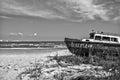 Rusty boat på kusten av black sea Royaltyfri Fotografi