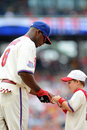 Ryan Howard - autograph for young fan Stock Images