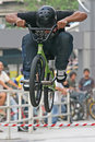 Saut de BMX Photographie stock