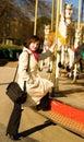 Schöner glücklicher Tourist in Paris Stockbilder
