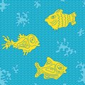Seamless marine vector pattern with fish and algae Royalty Free Stock Photography