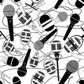 Seamless pattern of microphones doodle Stock Images