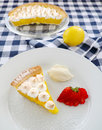 Secteur de meringue de citron Photographie stock libre de droits