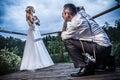 Session de photo avec le marié et la mariée Image libre de droits