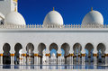 Sheikh zayed grand mosque abu dhabi is the largest in the uae it host majestic columns design of can be best described as a fusion Stock Photo