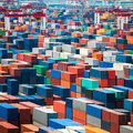 Shipping containers in port numerous Royalty Free Stock Photos