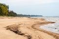 Shoreline della spiaggia del mar baltico con le rocce e le dune di sabbia Immagine Stock Libera da Diritti
