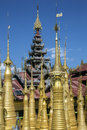 Shwe gasthaus thein tempel ithein inle see myanmar Lizenzfreies Stockfoto
