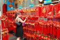 Singapore chinatown chinese lunar new year shoppin shopping in singaporern Stock Photography