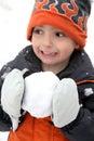 Slagsmål kastar snöboll Fotografering för Bildbyråer