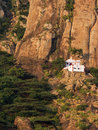Small Hindu temple in the steep mountains Stock Photography