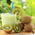 Smoothie de kiwi Photographie stock libre de droits
