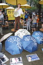 Snowden gains support from protesters in hong kong several hundred demonstrators took to kongs streets the rain saturday voicing Royalty Free Stock Photography