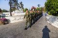 Soldater i smällen pa i royal palace ayutthaya landskap thailand Arkivfoton