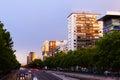 Sommarsikt av den nya gatan madrid Arkivfoto