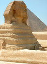 Sphinx et pyramide grands de Khufu, Giza, Egypte Photos libres de droits