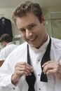 Sposo getting ready for le sue nozze Fotografia Stock Libera da Diritti