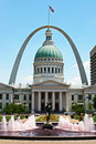 St Louis-Old Courthouse & Arch Royalty Free Stock Photo