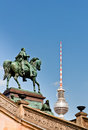 Statue de frederick william iv et d me de tour de berlin tv Photo libre de droits