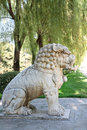 Statue de lion sur ming tomb alley chine Images libres de droits